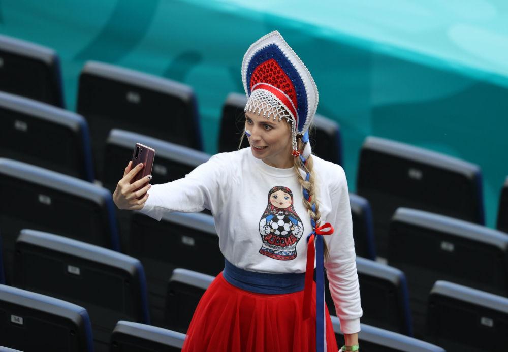 طرفدار تیم فوتبال روسیه در مسابقات یورو ۲۰۲۰