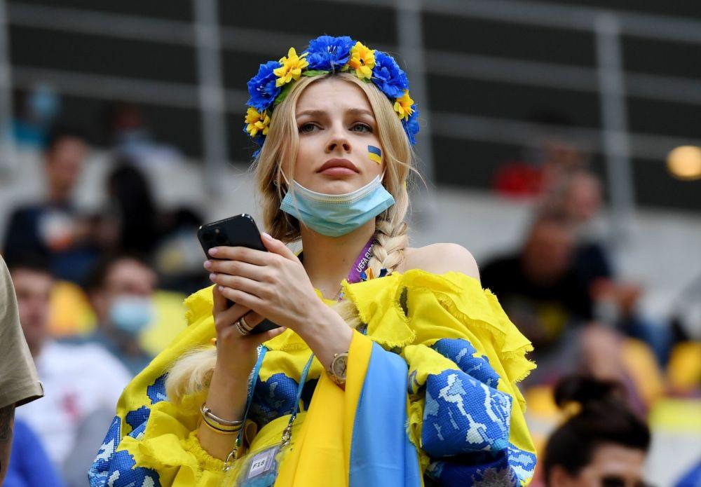 طرفدار تیم فوتبال  اوکراین در مسابقات یورو ۲۰۲۰