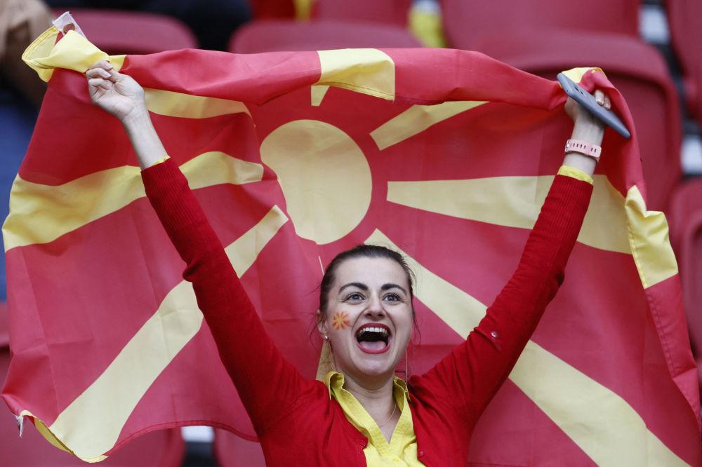 طرفدار تیم فوتبال مقدونیه در مسابقات یورو ۲۰۲۰