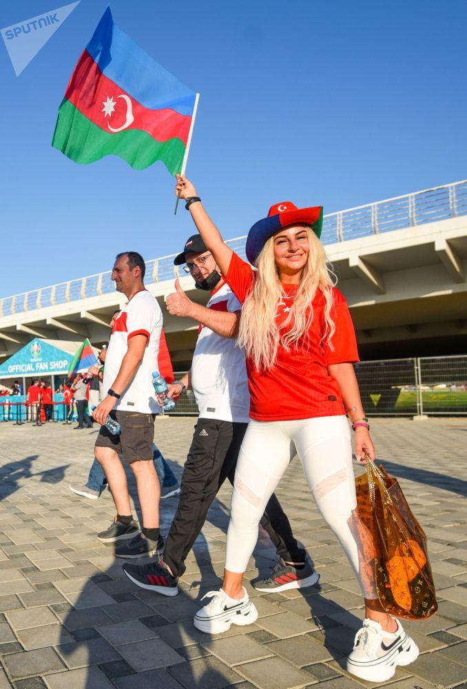 طرفدار تیم فوتبال ترکیه در مسابقات یورو ۲۰۲۰