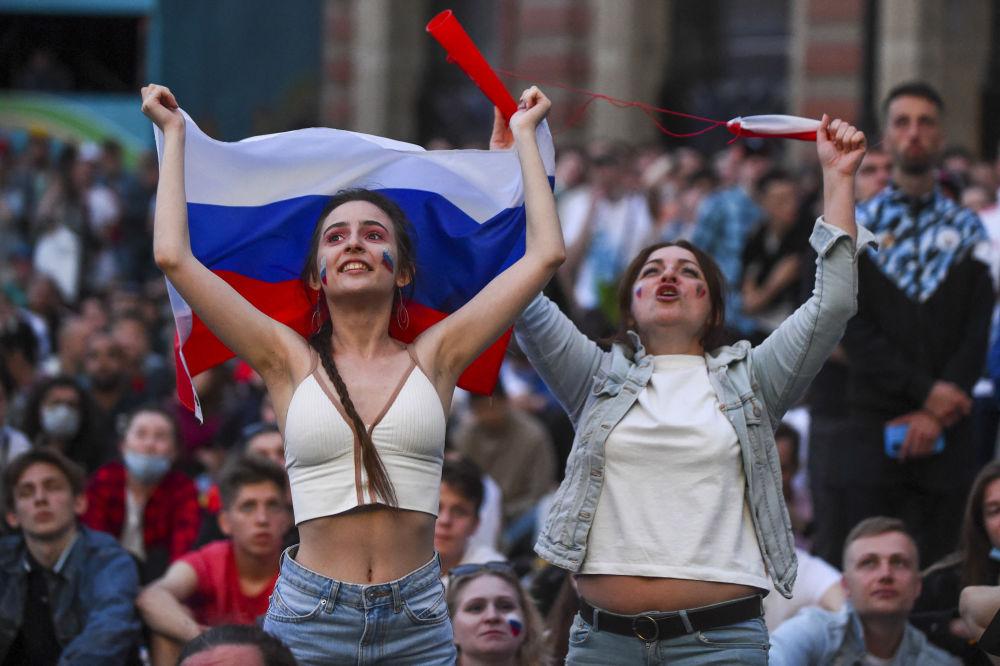 طرفداران تیم فوتبال روسیه در مسابقات یورو ۲۰۲۰