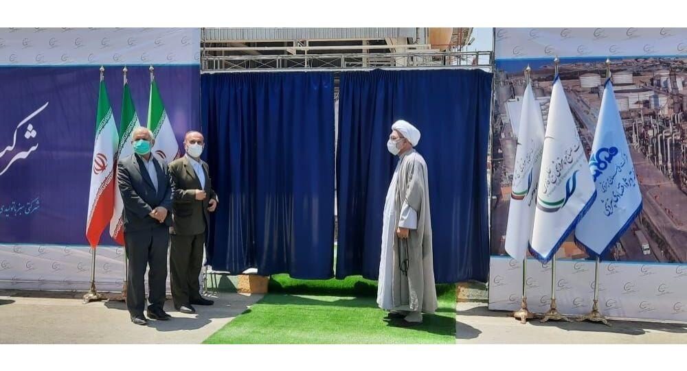 آغاز بهره برداری از طرح های ملی وزارت نفت ایران با فرمان حسن روحانی