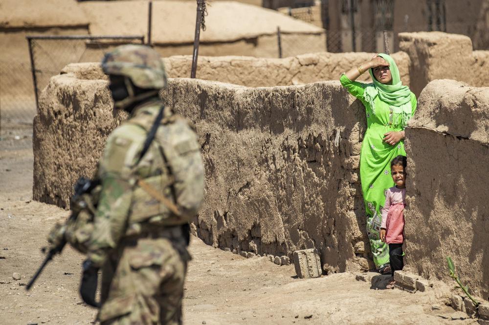 رویدادهای هفته به روایت تصویر  گشت سرباز آمریکایی در حسکه سوریه