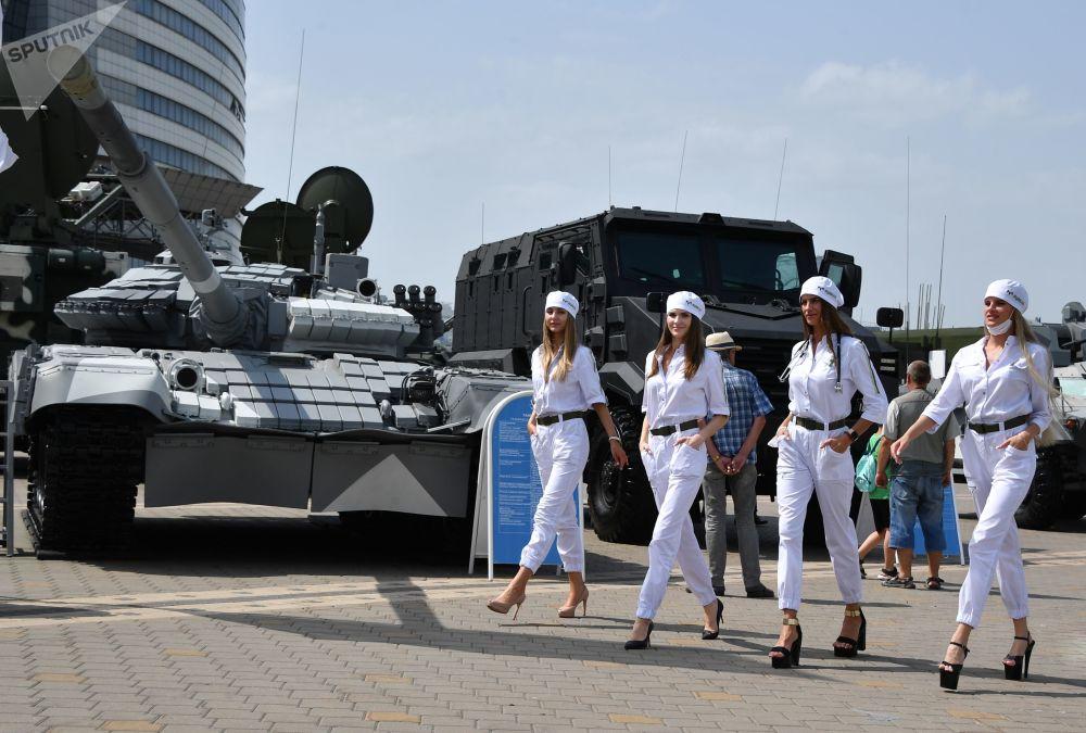 رویدادهای هفته به روایت تصویر  نمایشگاه بین المللی تسلیحات در مینسک