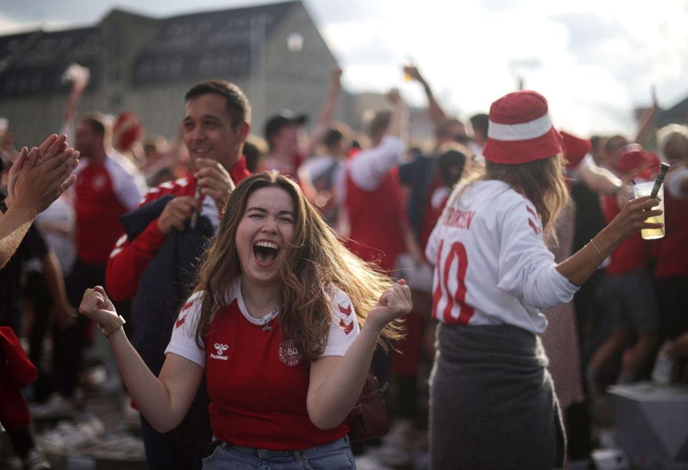خوشحالی طرفداران دانمارک در یک هشتم فینال یورو ۲۰۲۰