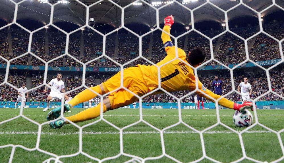 دروازه بان تیم فرانسه در یک هشتم فینال یورو ۲۰۲۰