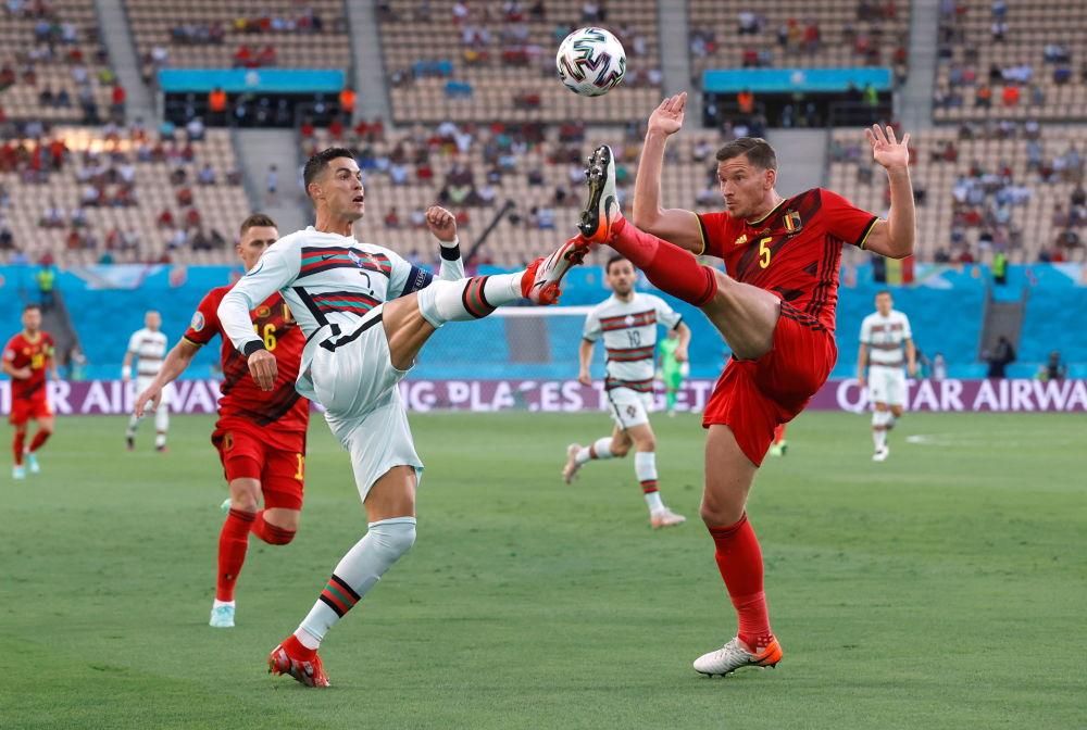 بازیکنان تیم پرتغال و بلژیک در یک هشتم فینال یورو ۲۰۲۰