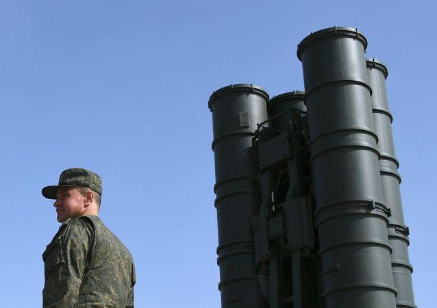 رزمایش نظامی با اس ۴۰۰ در جنوب روسیه در پاسخ به مانور ناتو