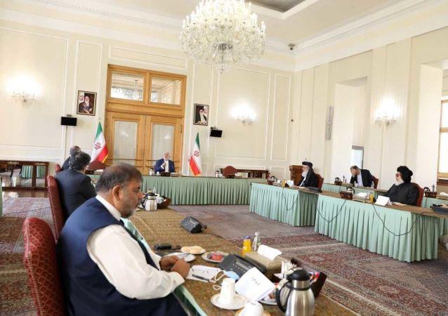 توئیت ظریف پس از دیدار با هیئتهای عالیرتبه افغانستانی