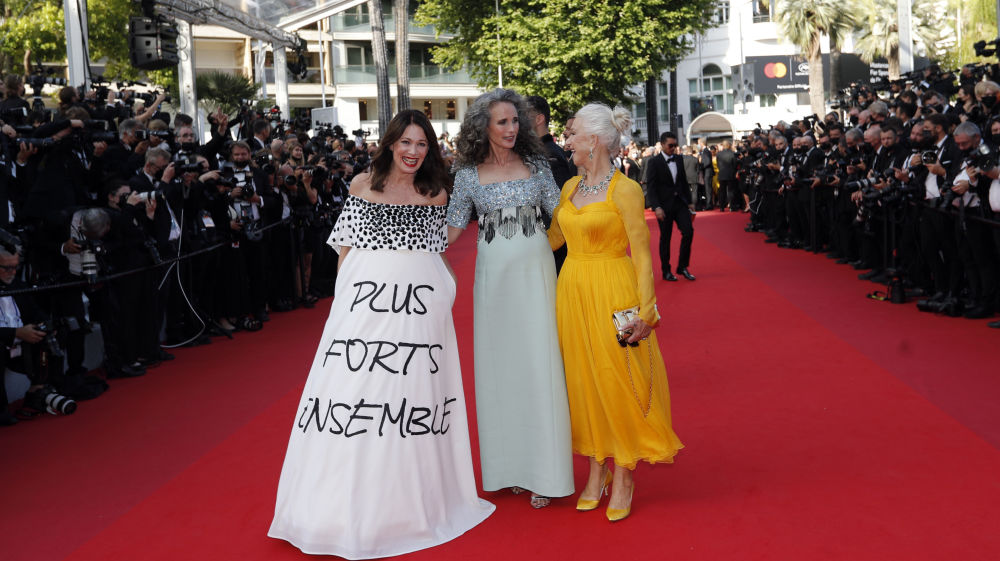 هنرپیشه ها ایریس بربن، اندی مک دائول و هلن میرن مراسم افتتاحیه ۷۴مین فستیوال فیلم کن