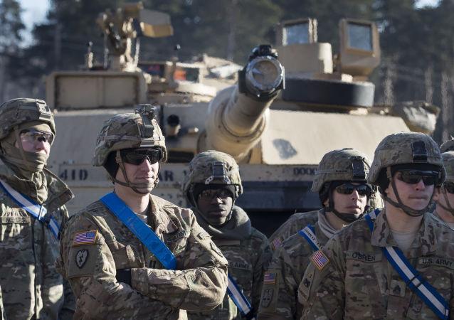 آمریکا؛ همگرا شدن دو آفت دست ساز در یک جا