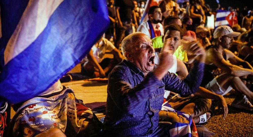 در امریکا درباره درخواست حمله به کوبا توضیح داده شد