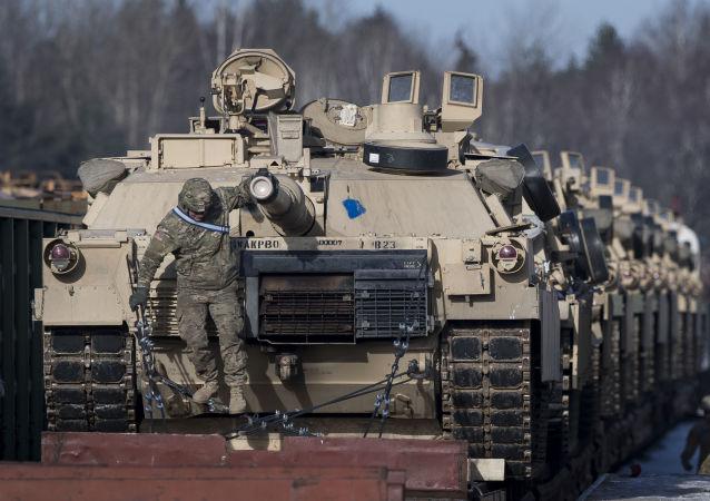 لهستان چهار گردان تانک آبرامز از آمریکا خریداری می کند