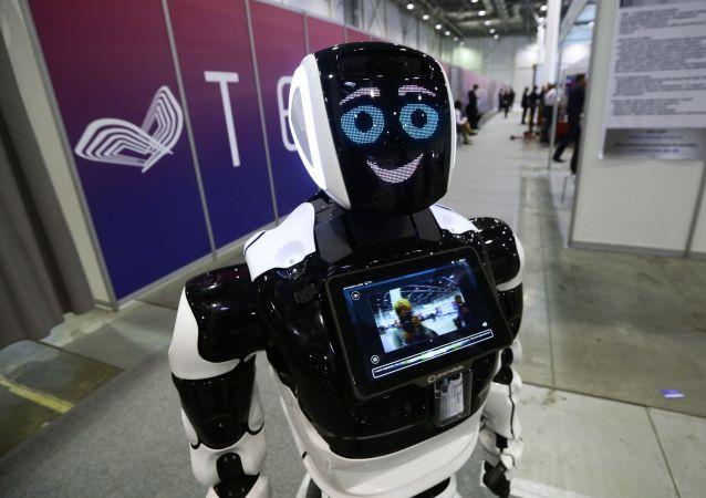 ربات ساخت روسیه با موفقیت دوره آزمایشی را در پلیس ابوظبی طی کرد