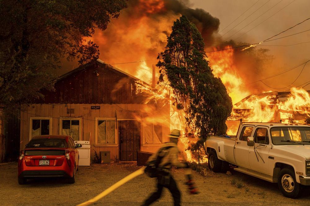 رویدادهای هفته به روایت تصویر آتش سوزی در آمریکا