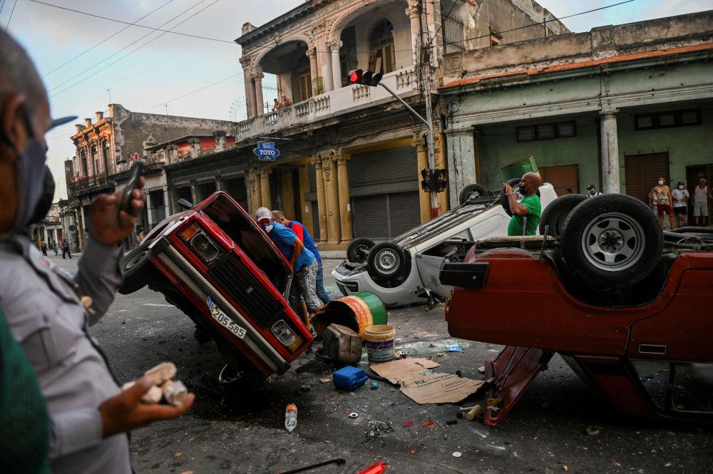 رویدادهای هفته به روایت تصویر نا آرامی در هاوانا