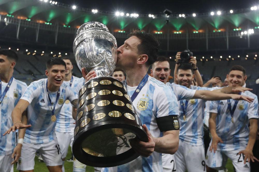 رویدادهای هفته به روایت تصویر مسی فوتبالیست و جام