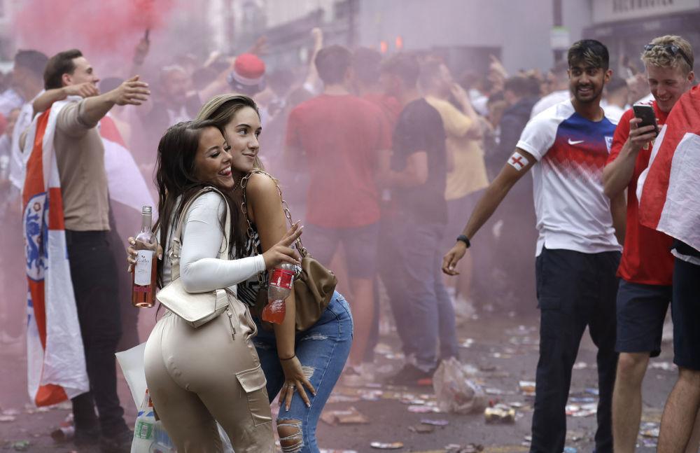 رویدادهای هفته به روایت تصویر میدان پیروزی لندن