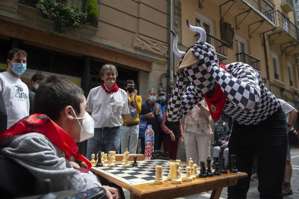 رویدادهای هفته به روایت تصویر دوی شطرنجی در اسپانیا