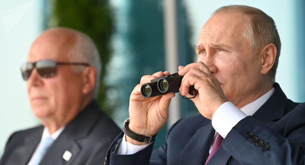 سخنرانی پوتین درباره جدیدترین تسلیحات نیروی دریایی روسیه