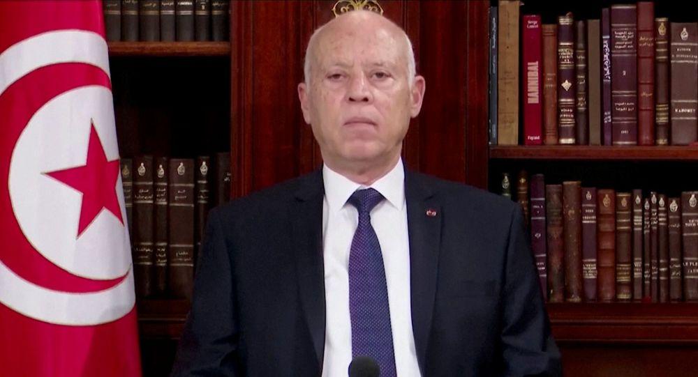 رئیس جمهور تونس وضعیت حکومت نظامی اعلام کرد