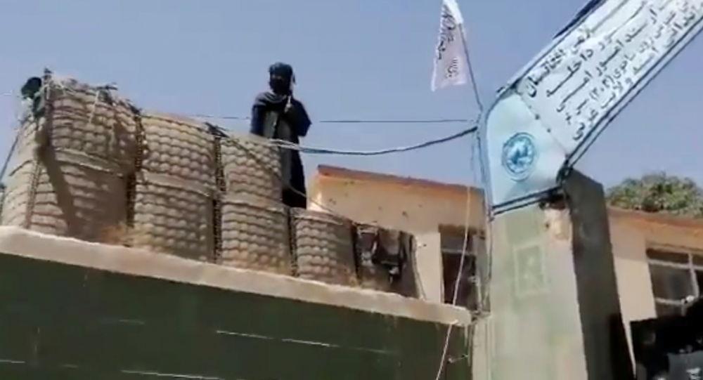 طالبان، پایگاه هوایی بگرام را به کنترل خود درآورد
