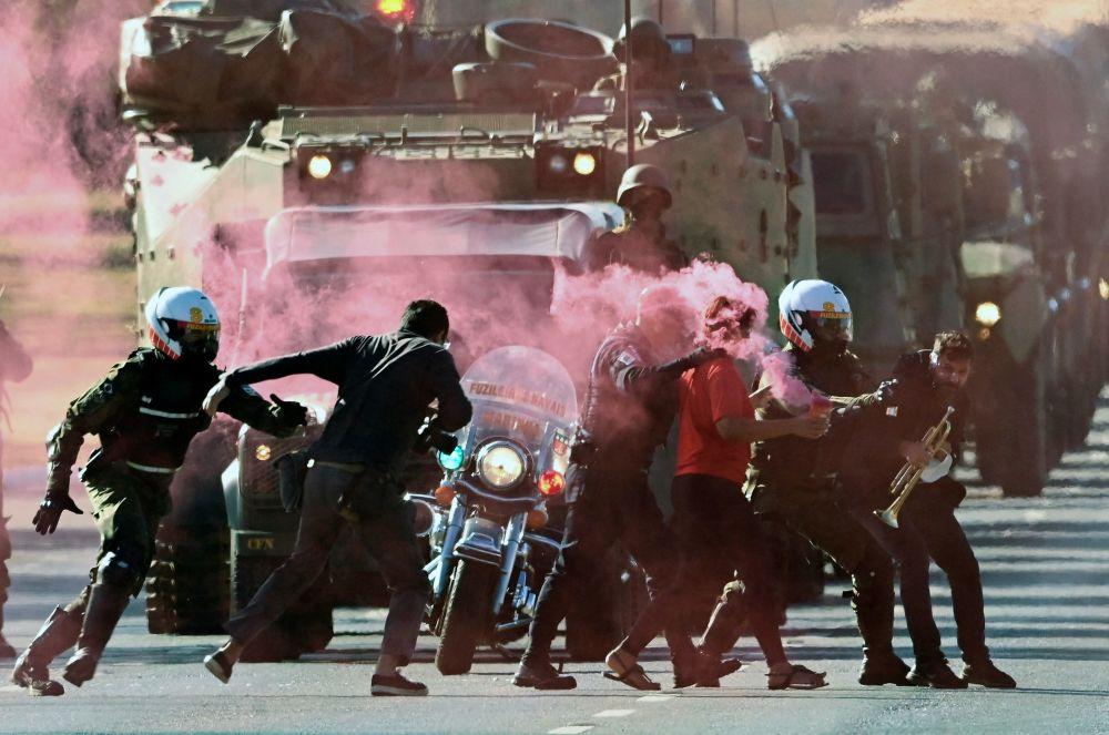 رویدادهای هفته به روایت تصویر اعتراضات در برزیل