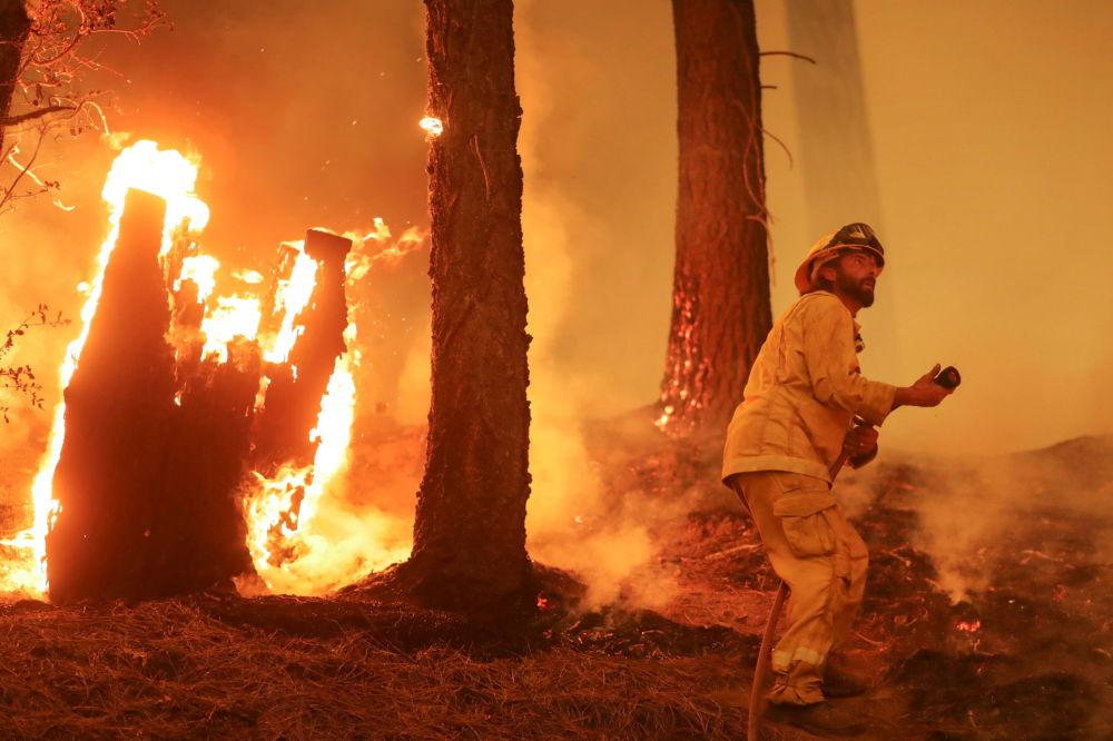 رویدادهای هفته به روایت تصویر آتش سوزی در کالیفرنیا