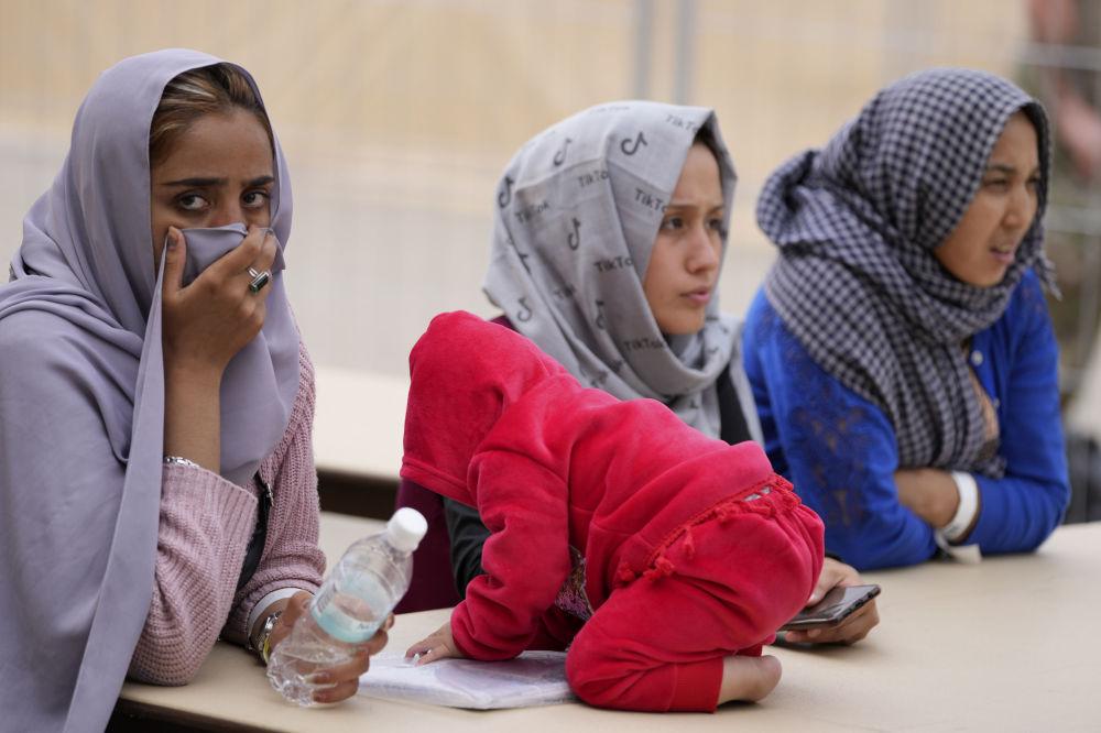 زنان پناهجوی افغانی در پایگاه هوایی رامشتاین در آلمان