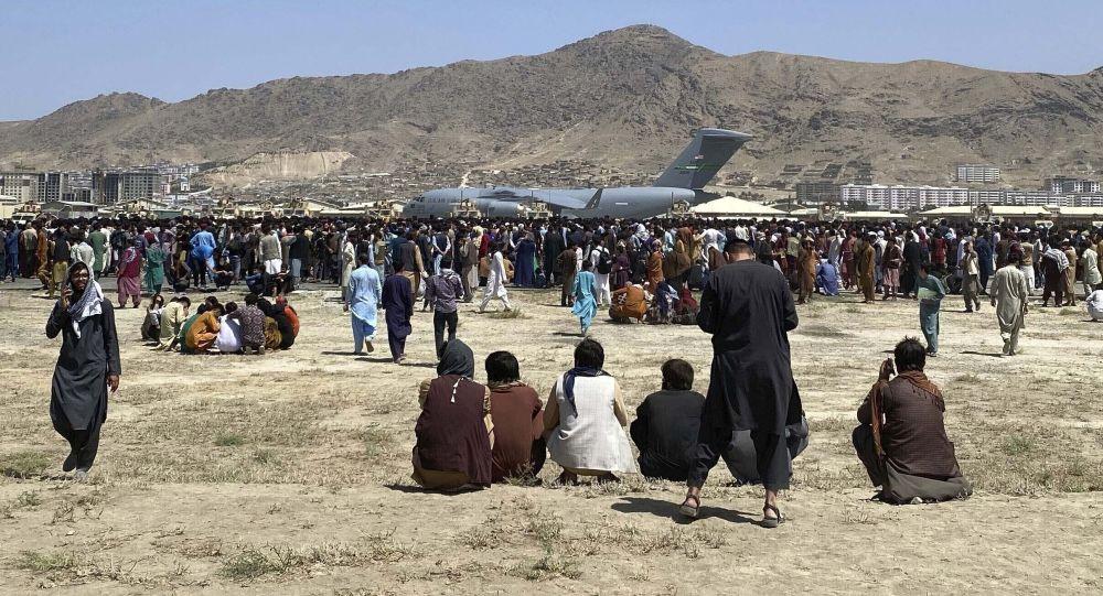 آخرین آمار: 13 کشته در انفجار در فرودگاه کابل