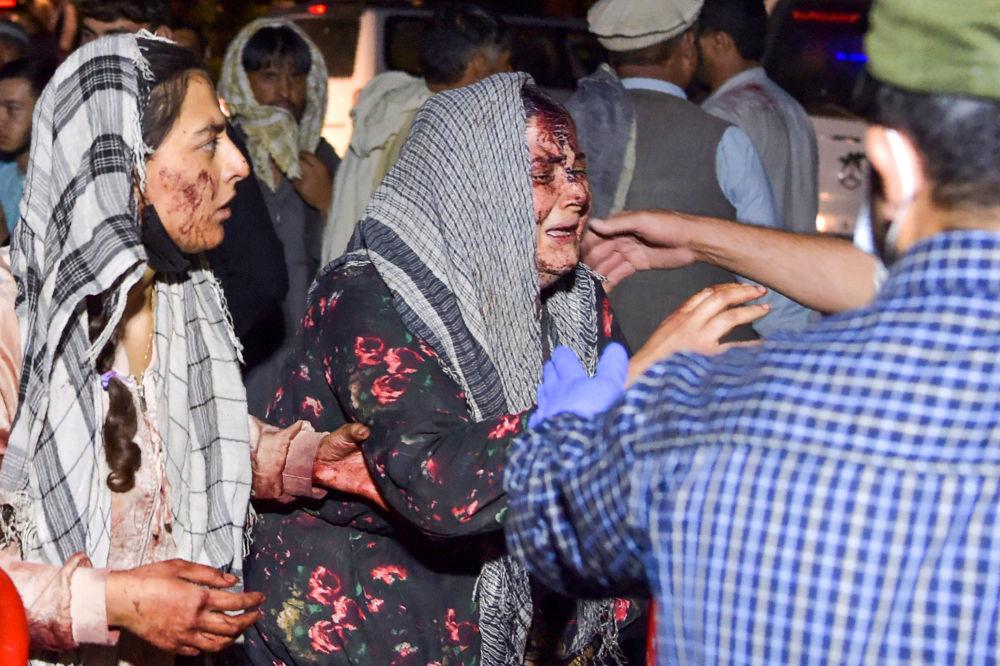 زنان زخمی در نتیجه دو انفجار شدید در کابل