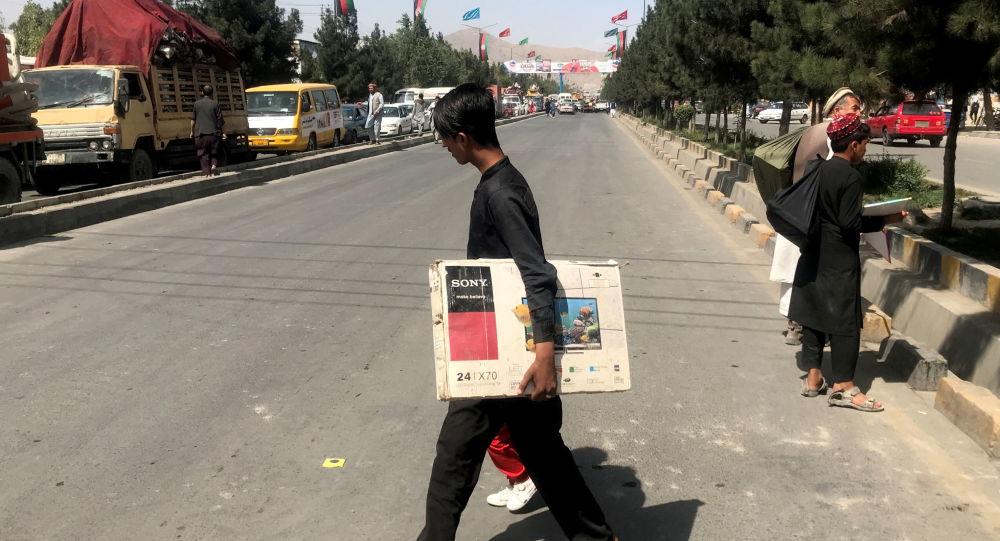 بیش از صد رسانه در افغانستان تعطیل شدند