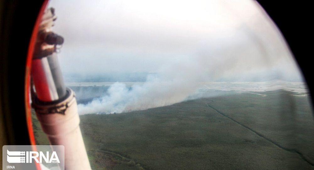 اعزام هواپیمای آتش نشان وزارت دفاع ایران برای اطفاء آتش سوزی در تالاب انزلی