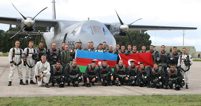 رزمایش نیروهای دریایی آذربایجان در دریای خزر
