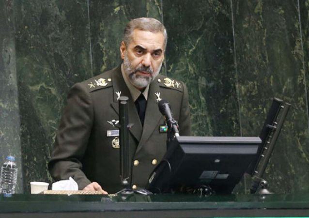 هشدار وزیر دفاع ایران :هر اقدام جهالت آمیز دشمنان با پاسخ دندان شکن روبرو می شود