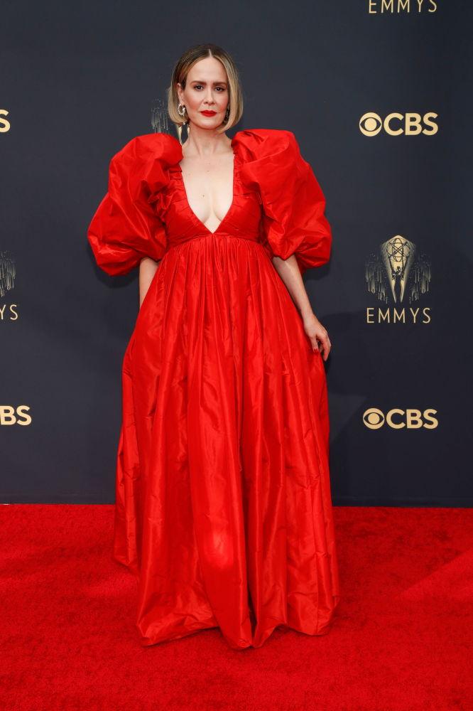 هنرپیشه سارا پولسون در 73مین مراسم  امی2021 در لس آنجلس