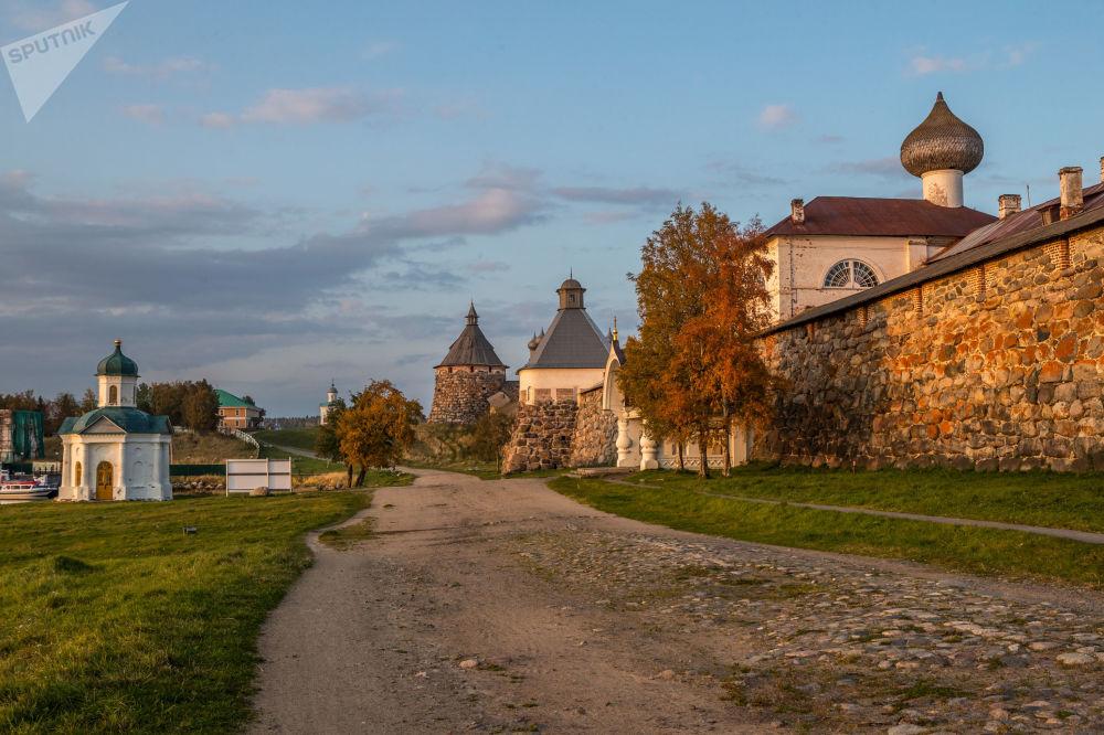 صومعه سالاوتسک در استان آرخانگلسک