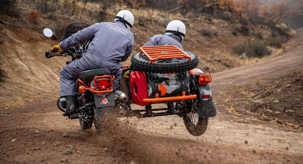 در آمریکا موتورسیکلت جدید روسی اورال را تحسین کردند