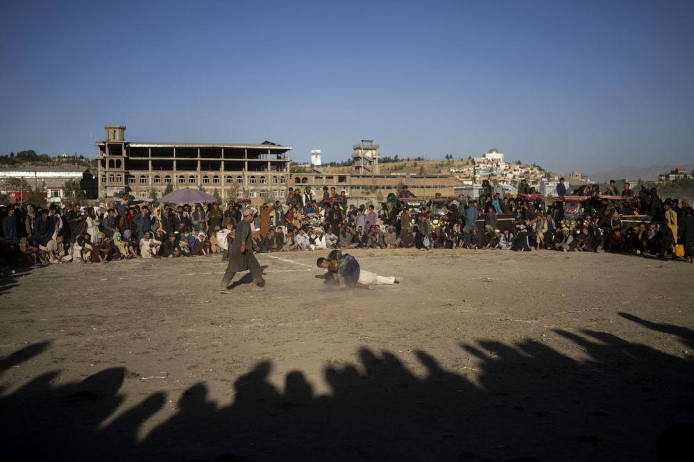 کشتی سنتی در یکی از پارک های  کابل