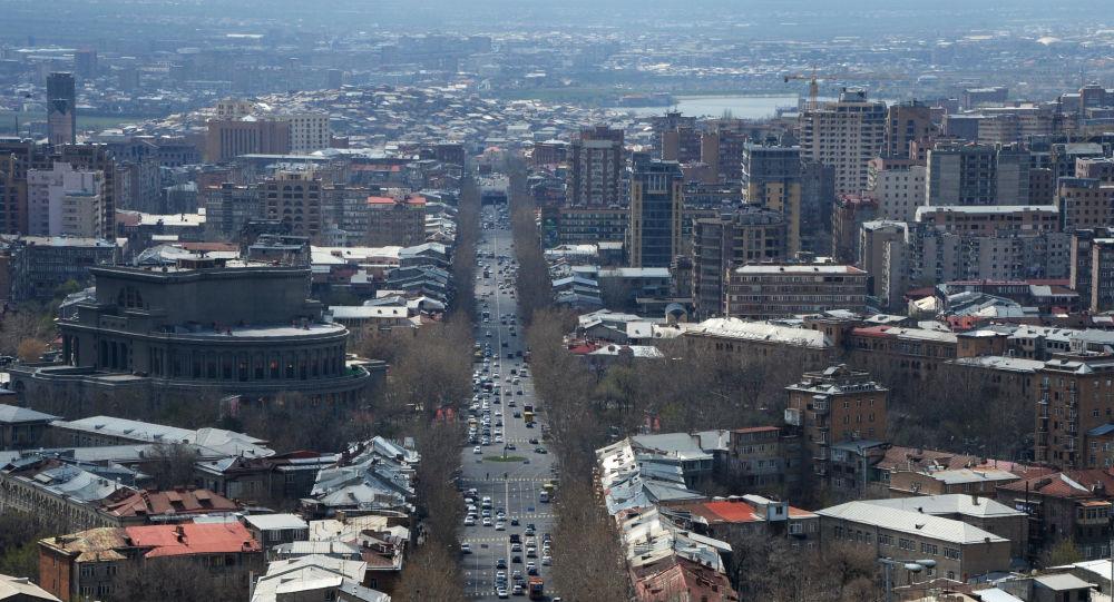 ایروان: در حال مذاکره با مسکو و باکو برای حل مشکلات در رفت و آمد با ایران هستیم