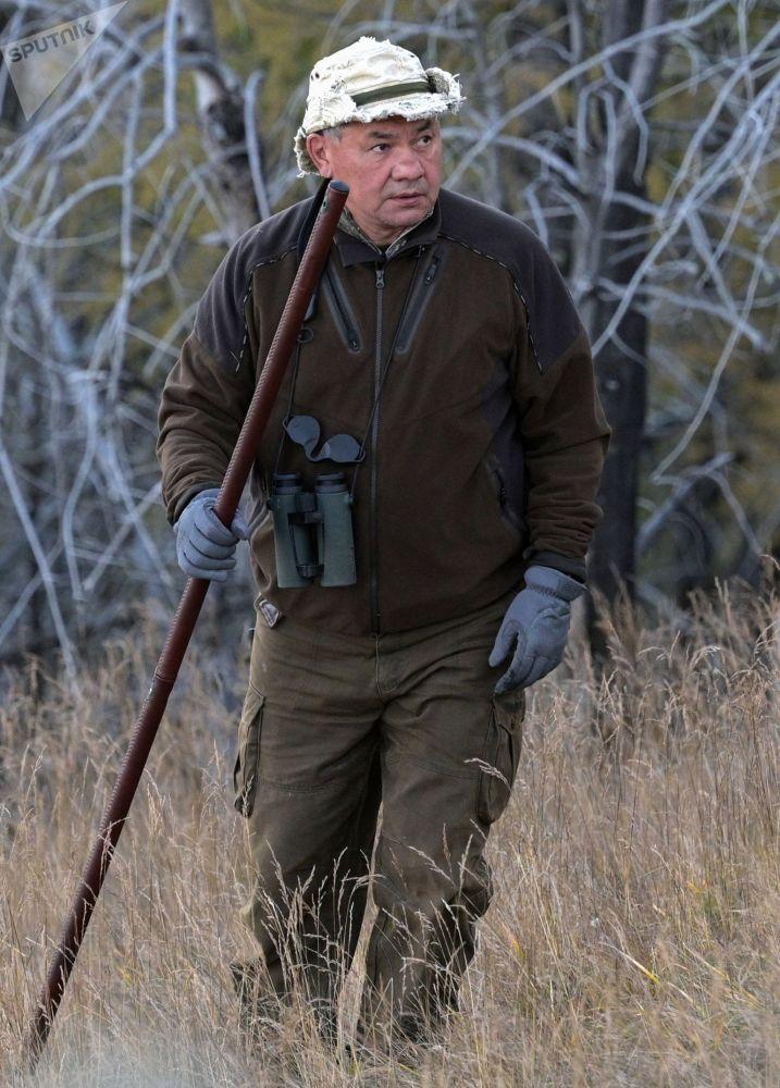 وزیر دفاع روسیه سرگی شایگو در حال گردش در تایگا