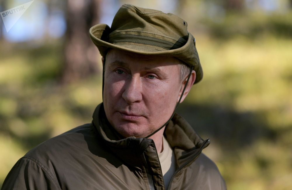 ولادیمیر پوتین رئیس جمهور روسیه در حال گردش در تایگا روسیه