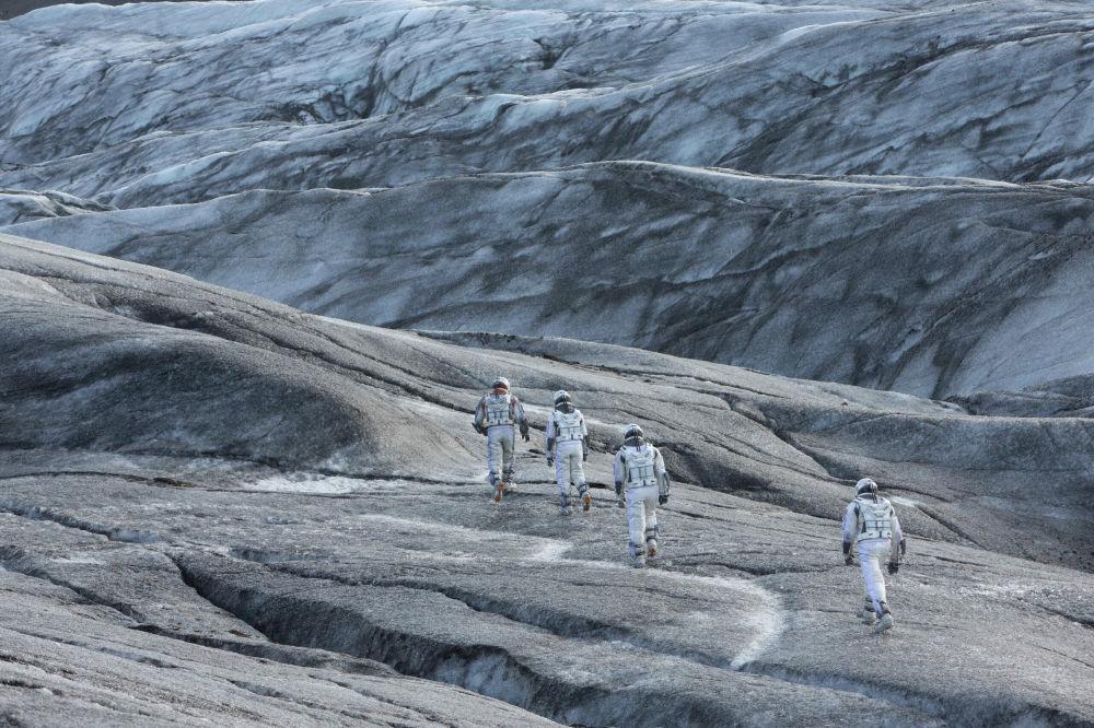 صحنه ای از فیلم «در میان ستارگان»