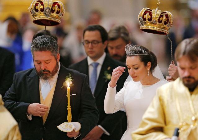 مراسم ازدواج شاهزاده گئورگی رومانوف و ویکتوریا رومانوا بتارینی در کلیسای سنت ایزاک سنت پترزبورگ