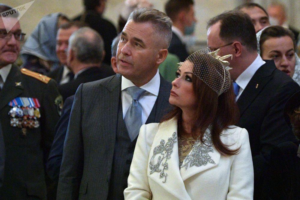 مهمانان در مراسم ازدواج شاهزاده گئورگی رومانوف و ویکتوریا رومانوا بتارینی در کلیسای سنت ایزاک سنت پترزبورگ