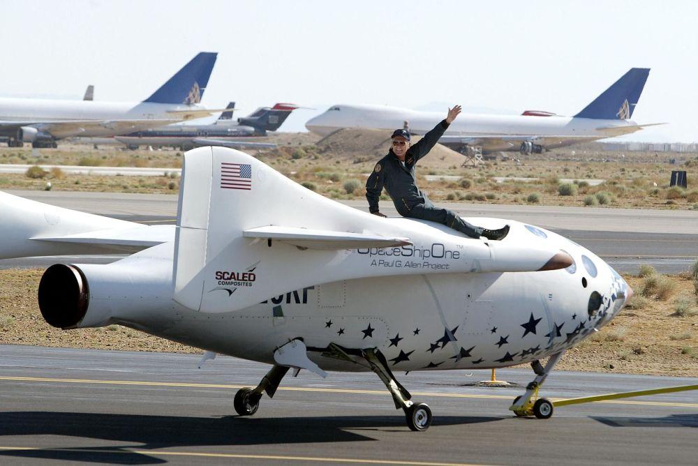 رویدادهای فضانوردی جهان مایک ملویل در سفینه  SpaceShipOne