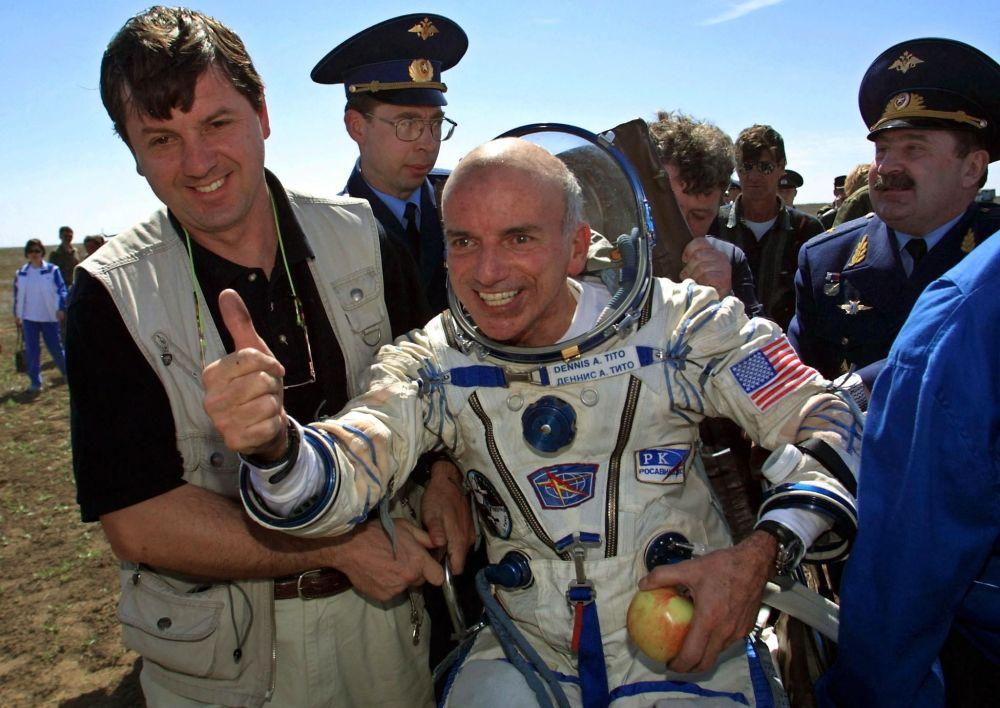 رویدادهای فضانوردی جهان دنیس تیتو فضانورد توریست