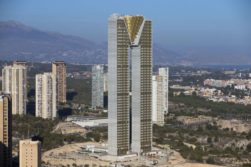 آسمان خراش ۴۷ طبقه  Intempo در اسپانیا