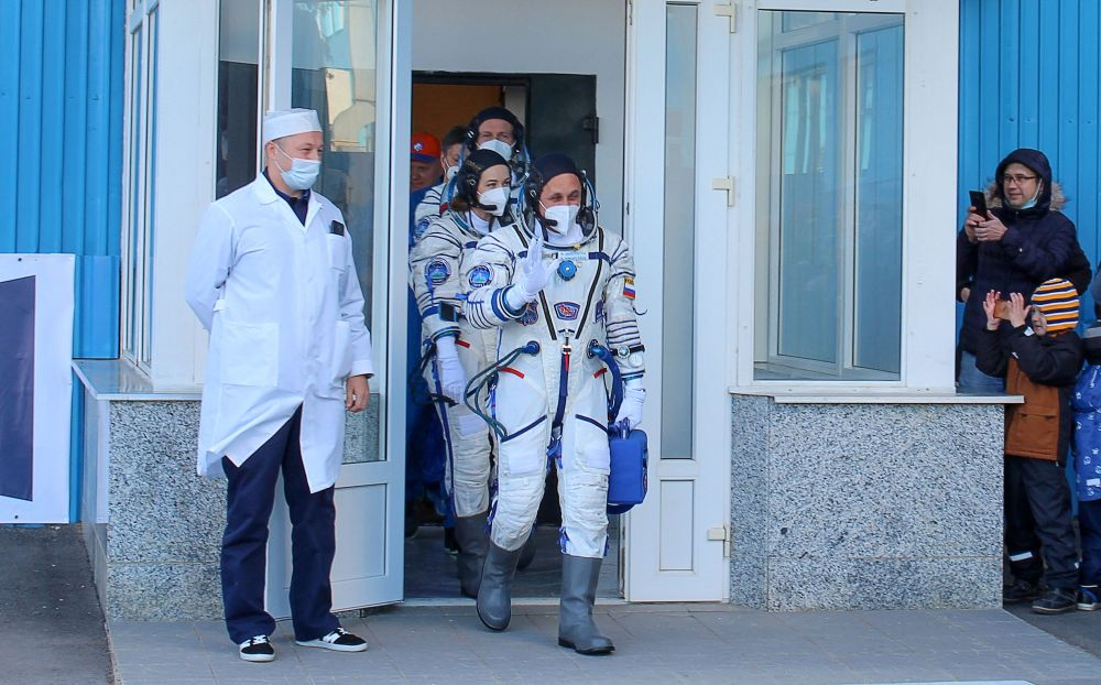 اعضای اصلی سفینه «سایوز ام سی ۱۹» در ایستگاه فضایی قبل از پرتاب