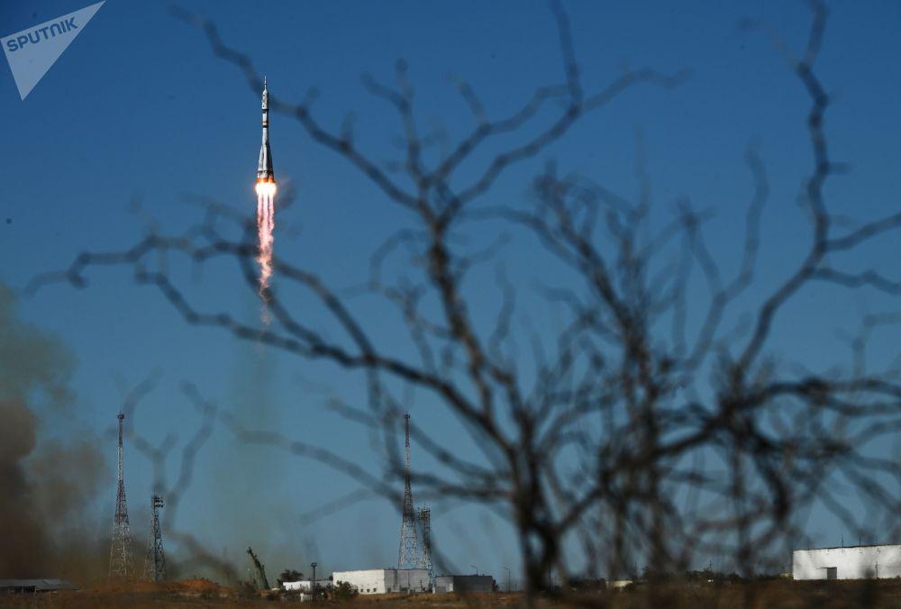 پرتاب موشک حامل سفینه فضایی «سایوز ام سی ۱۹» از ایستگاه هوافضای بایکنور